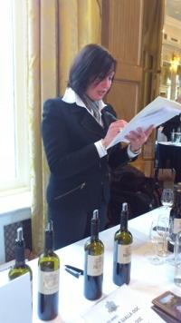 De proeftafel met de wijnen van Il Roncal.