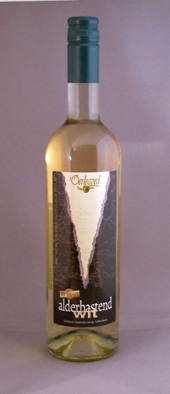 t Oerlegoed, op hout, alderbastend wit, wijngoed montferland