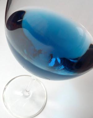 Wat is blauwe wijn en hoe wordt het gemaakt