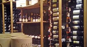 leuke wijnbar in Amsterdam Centrum met mooie wijnen die je kunt kopen