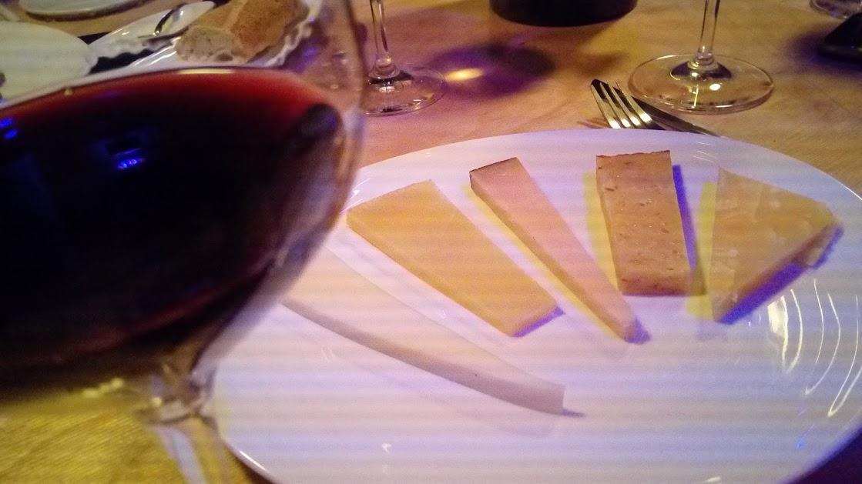 wijngebied Ribera del Duero - een ribera del duero met kaas