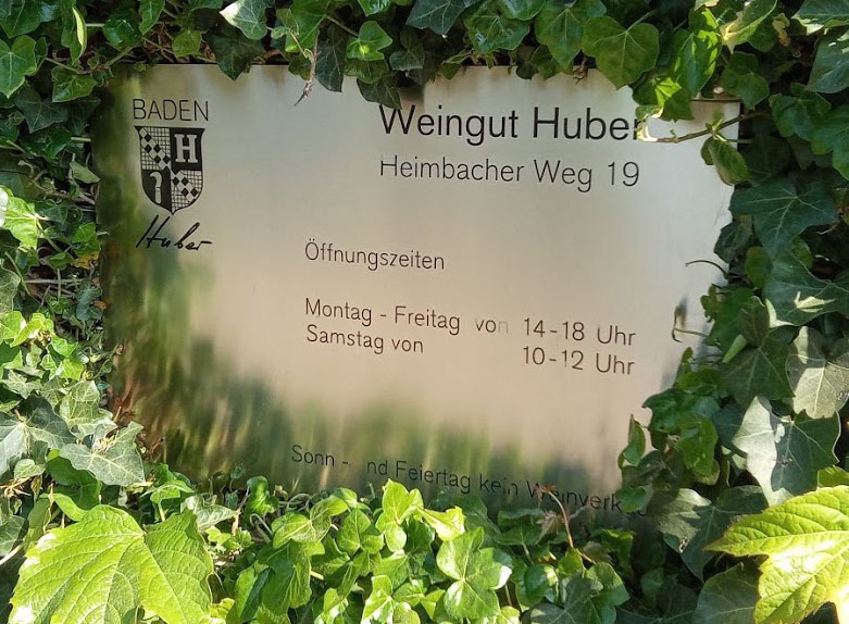 Weingut Bernhard Huber in Baden entree