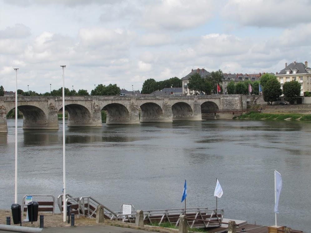 Wijn uit de Loire past bij elke maaltijd de stad Tours