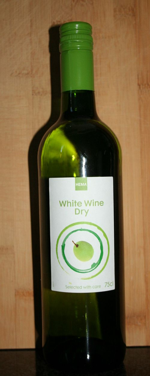 White Wine Dry van de Hema
