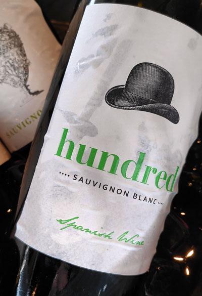 sauvignon blanc met een modern wijnetiket, een heerlijke frisse witte wijn met laag alcohol