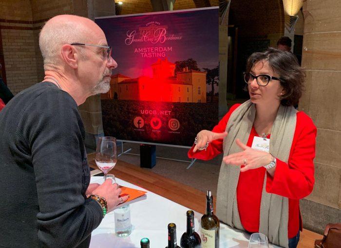Martin Kuhlman van wijngekken.nl staat aandachtig te luisteren wat voor Bordeaux jaar 2016 nu eigenlijk is