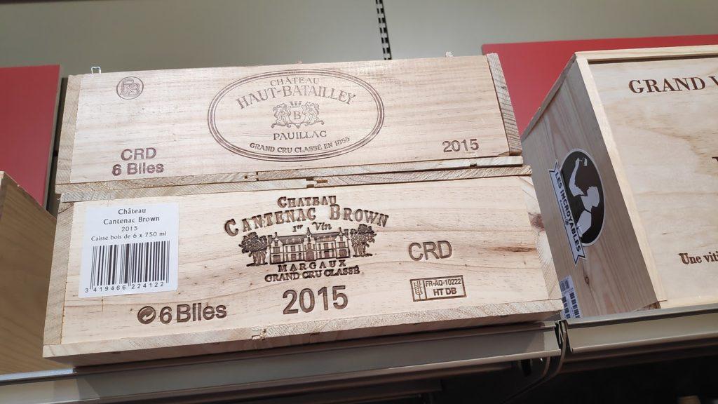 Nieuwe wijnverpakking en geschenkverpakking te recyclen, houten wijnkist goed te reclyclen