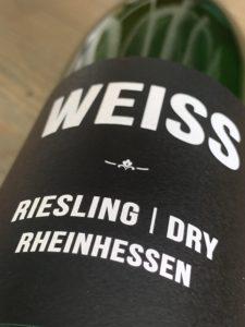 WEISS Riesling Trocken 2018; droog en uit de supermarkt