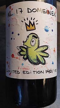 NL 17 Domeinen is een Nederlandse witte wijn voor het KWF