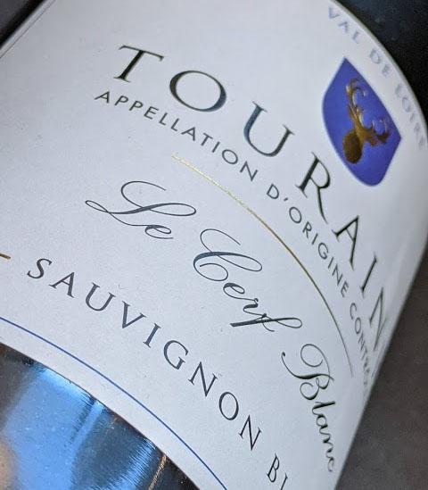 De Le Cerf Blanc is een Sauvignon Blanc van Dirck III en die wijn komt uit een van Frankrijks mooiste wijngebieden, de Loire vallei.