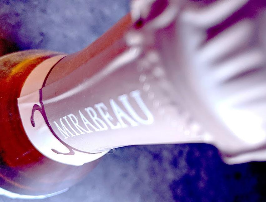 Mirambeau La Folie is een mousserende rosé uit de rosé stal van het bekende domaine Mirambeau. Gezien de naam kan deze wijn dus alleen maar goed zijn? Maar toch....