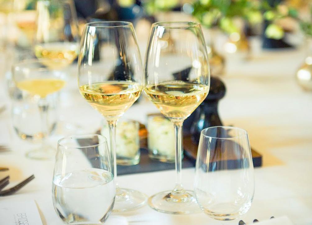 Wijnhandelaren en wijnimporteurs helpen de horeca