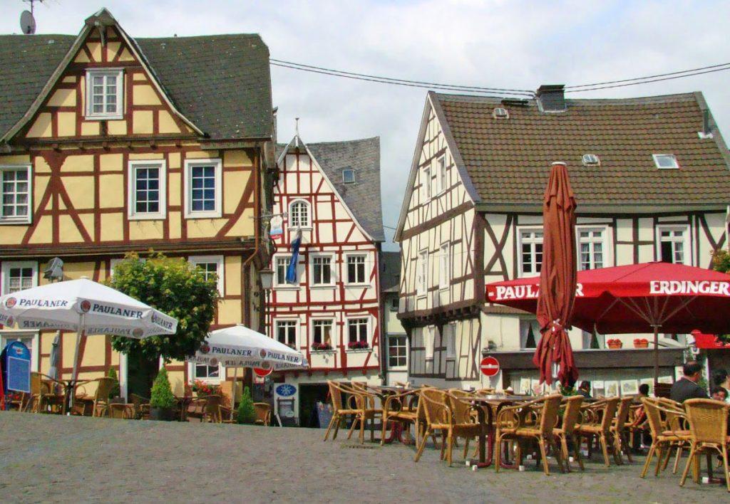 Kamperen tussen de wijngaarden in Duitsland met leuke kleine wijndorpjes