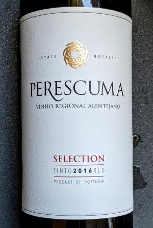 Een prachtige rode wijn uit Portugal staat hier voor mij met een dik verdiende medaille.