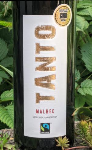 Tanto Malbec van de Hema is een soepele rode wijn die je licht kunt koelen. Dan is deze rode wijn op zijn best