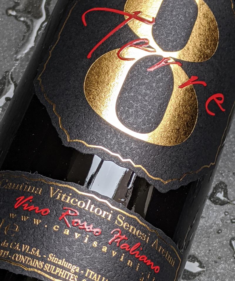 8 Terre Vino Rosso Italiano, warmbloedige rode wijn uit Italië