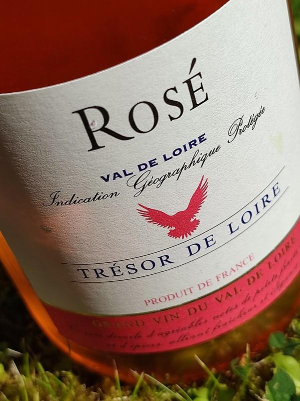 De Tresor de Loire Rosé is een goedverkopende wijn in het assortiment van Dirck III. Zeker met deze zomerse dagen is deze wijn niet aan te slepen.